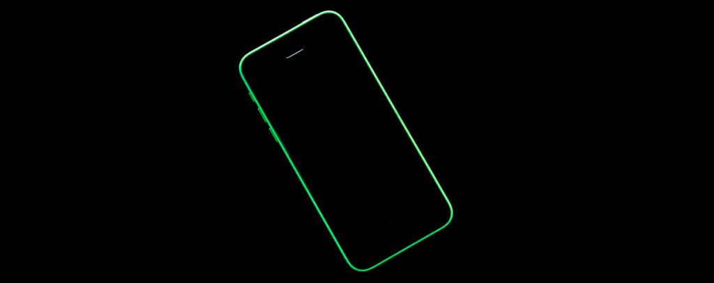 Черный экран на айфоне